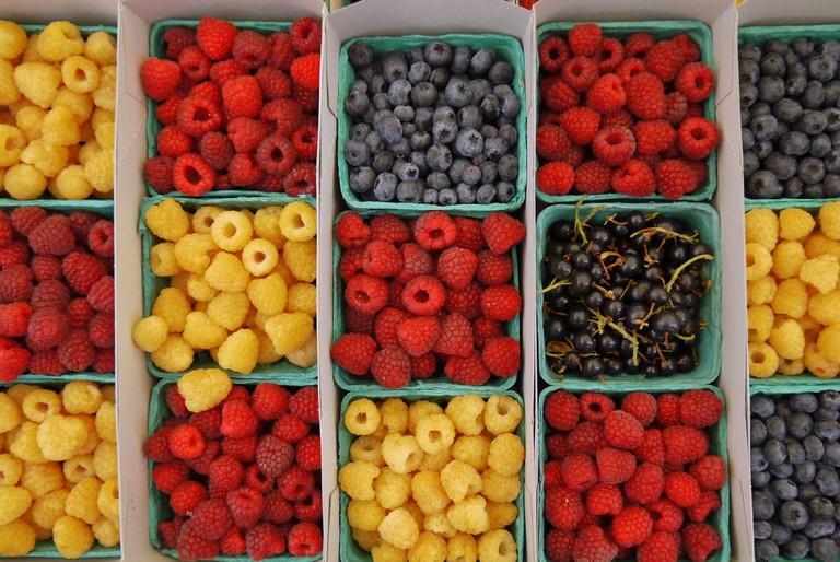 Berries at Santa Monica Farmers Market |©Jordan Fischer/Flickr