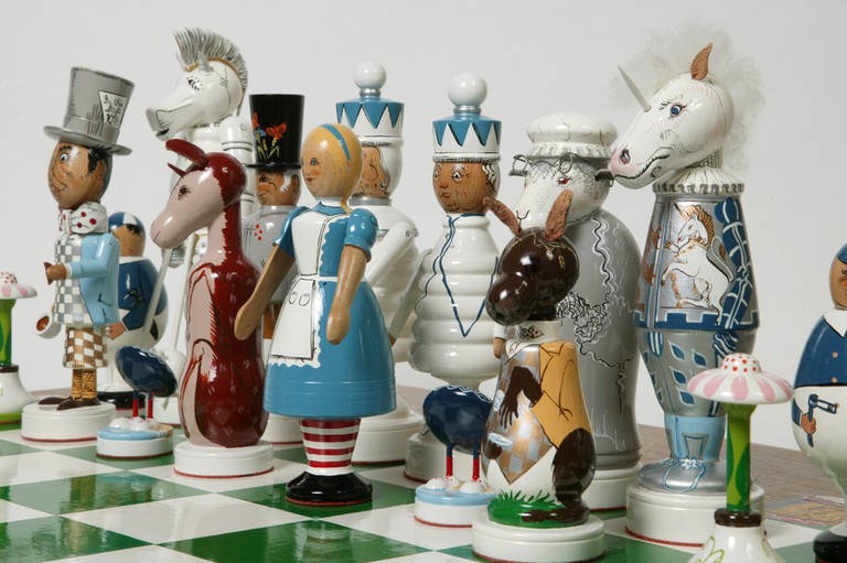 Board game - The Alice Through The Looking Glass Chess Set | Courtesy of V&A Museum