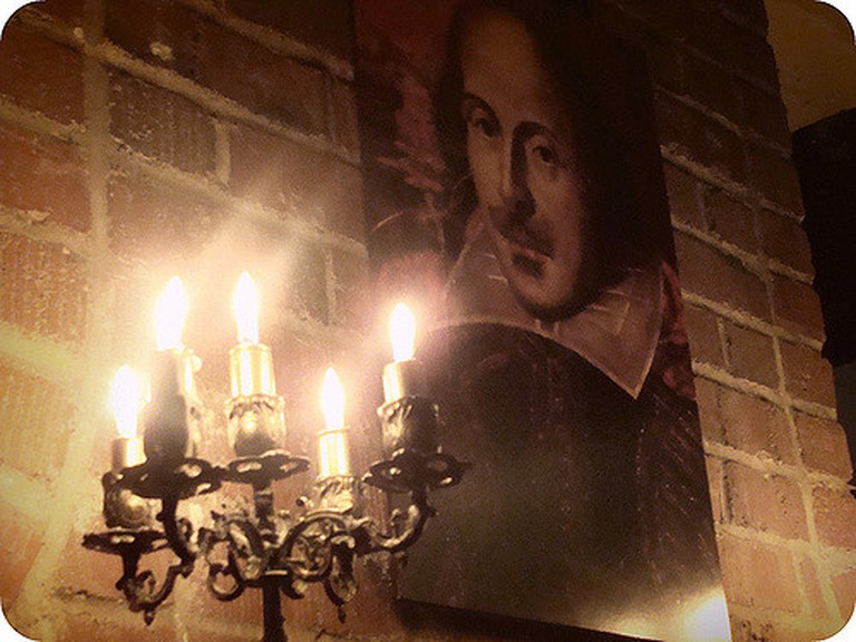 Shakespeare © Marilyn Roxie, Flickr