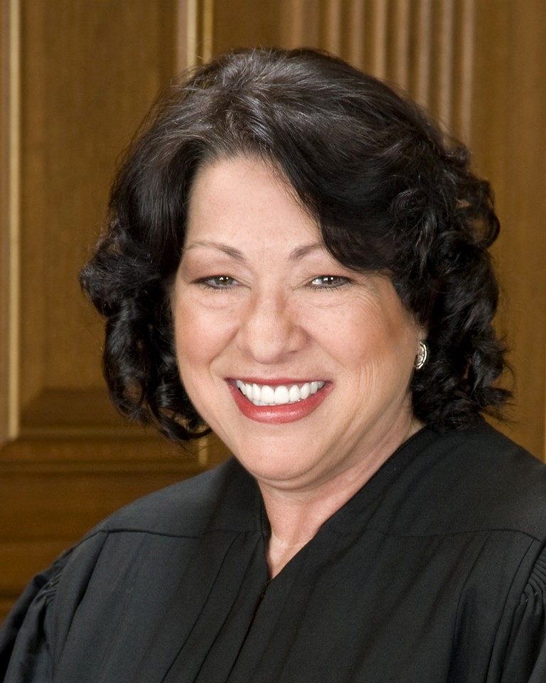 Sonia Sotomayor in SCOTUS robe crop | © Collection of the Supreme Court of the United States/WikiCommons