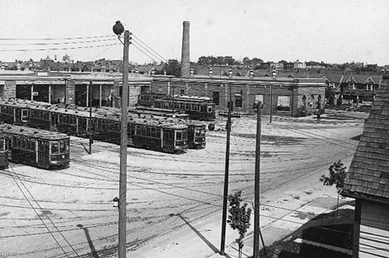 Wychwood Barns in 1924 | WikiCommons