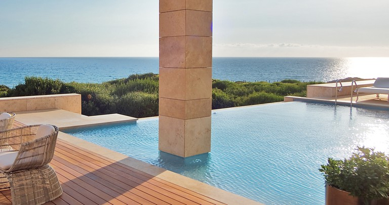 Ancient architectural ideas meet modern aesthetics © Costa Navarino
