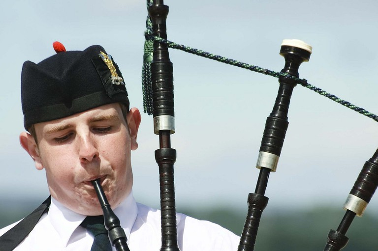 Bagpiping at the Newburgh Highland Games|© Laura Suarez / Flickr