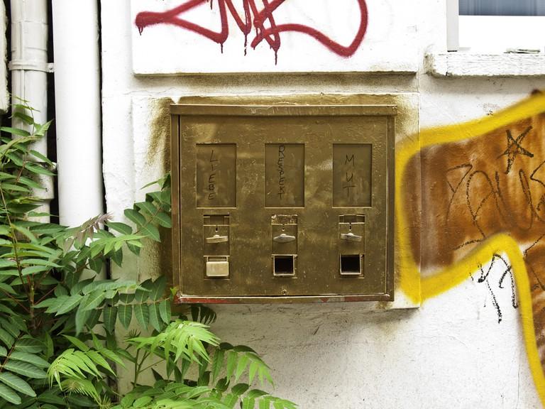 Goldener Kaugummiautomat   Sascha Kohlmann / Flickr