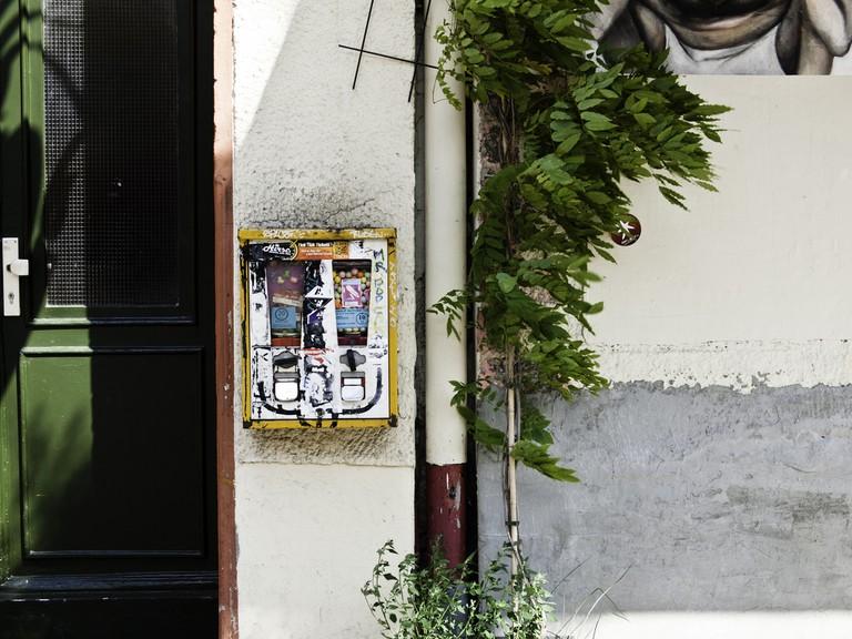 Kaugummiautomat; Berlin, Kreuzberg, Schlesische Straße   Sascha Kohlmann / Flickr