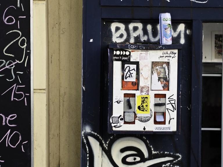 Kaugummiautomat; Berlin, Kreuzberg, Wrangelstraße 49   Sascha Kohlmann / Flickr