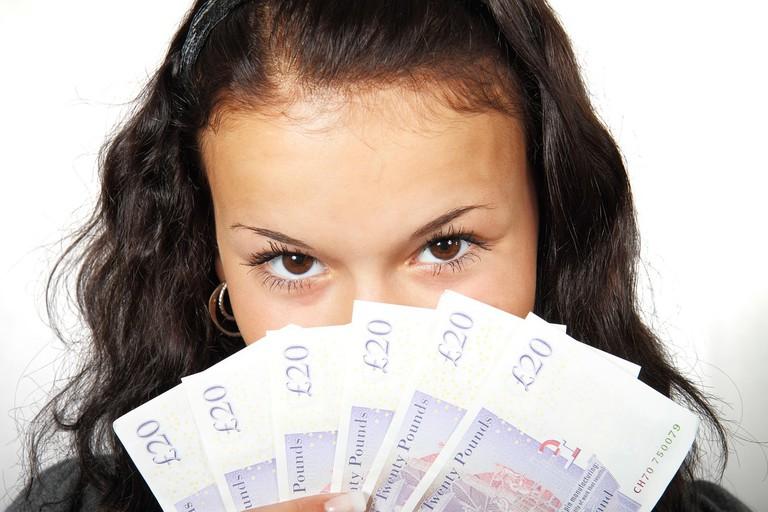 Bank Note Business │© PublicDomainPictures/Pixabay