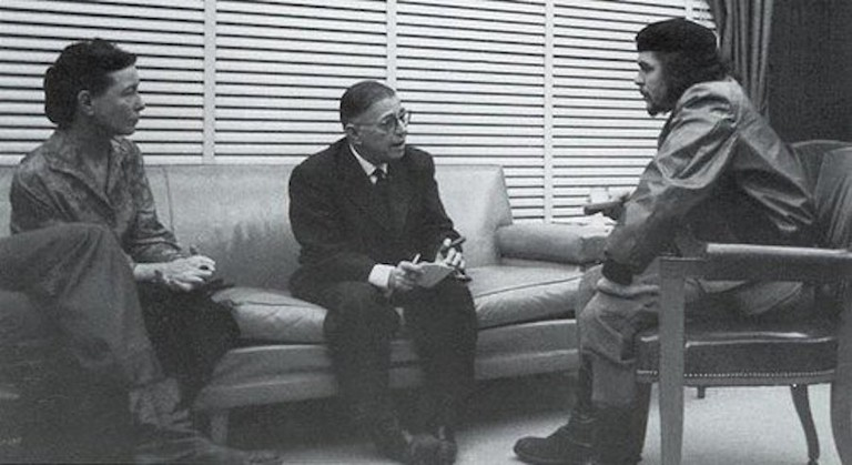 Beauvoir, Sartre and Che Guevara |© Alberto Korda/Wikimedia Commons