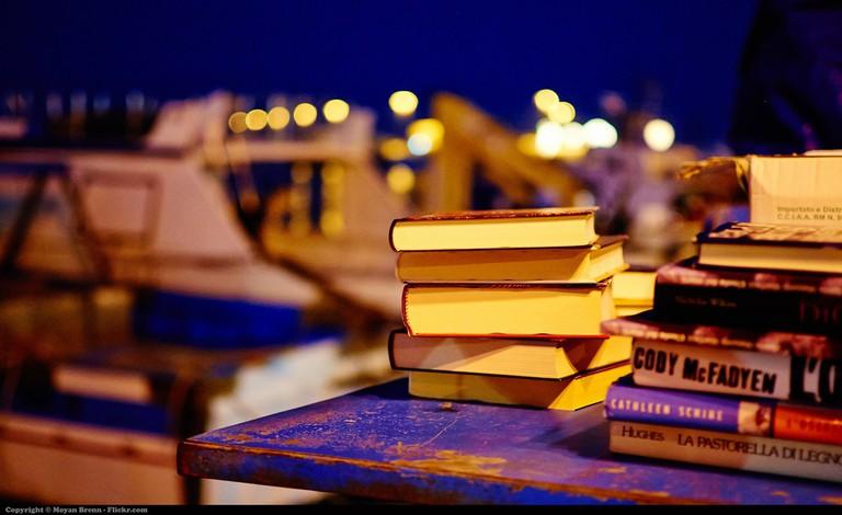 Reading © Moyan Brenn/Flickr.com