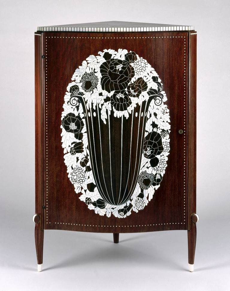 Émile-Jacques Ruhlmann, Corner Cabinet, ca. 1923 | © Brooklyn Museum/WikiCommons