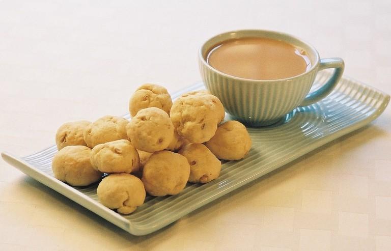Tea cup and batasas   Courtesy of Austin Macauley Publishers