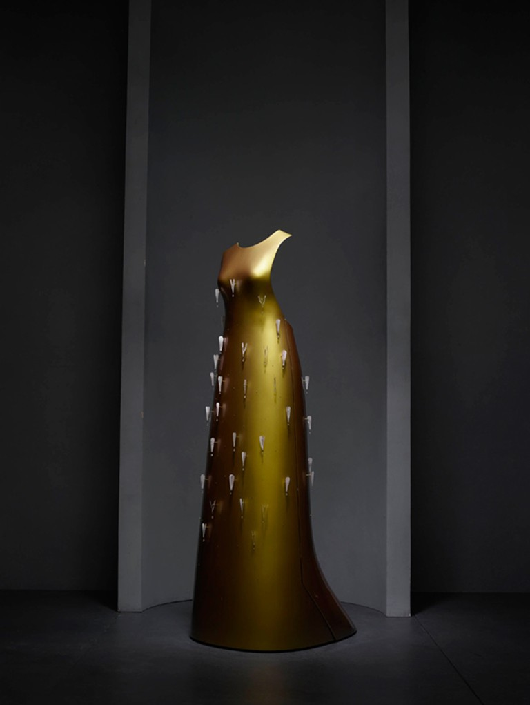 """Kaikoku"" floating dress by Hussein Chalayan in collaboration with Swarovski for the Autumn/Winter 2011-2012 collection 