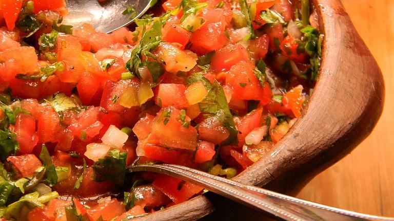 Pebre con tomate © Sebastian Ignacio Saavedra Meza/WikiCommons