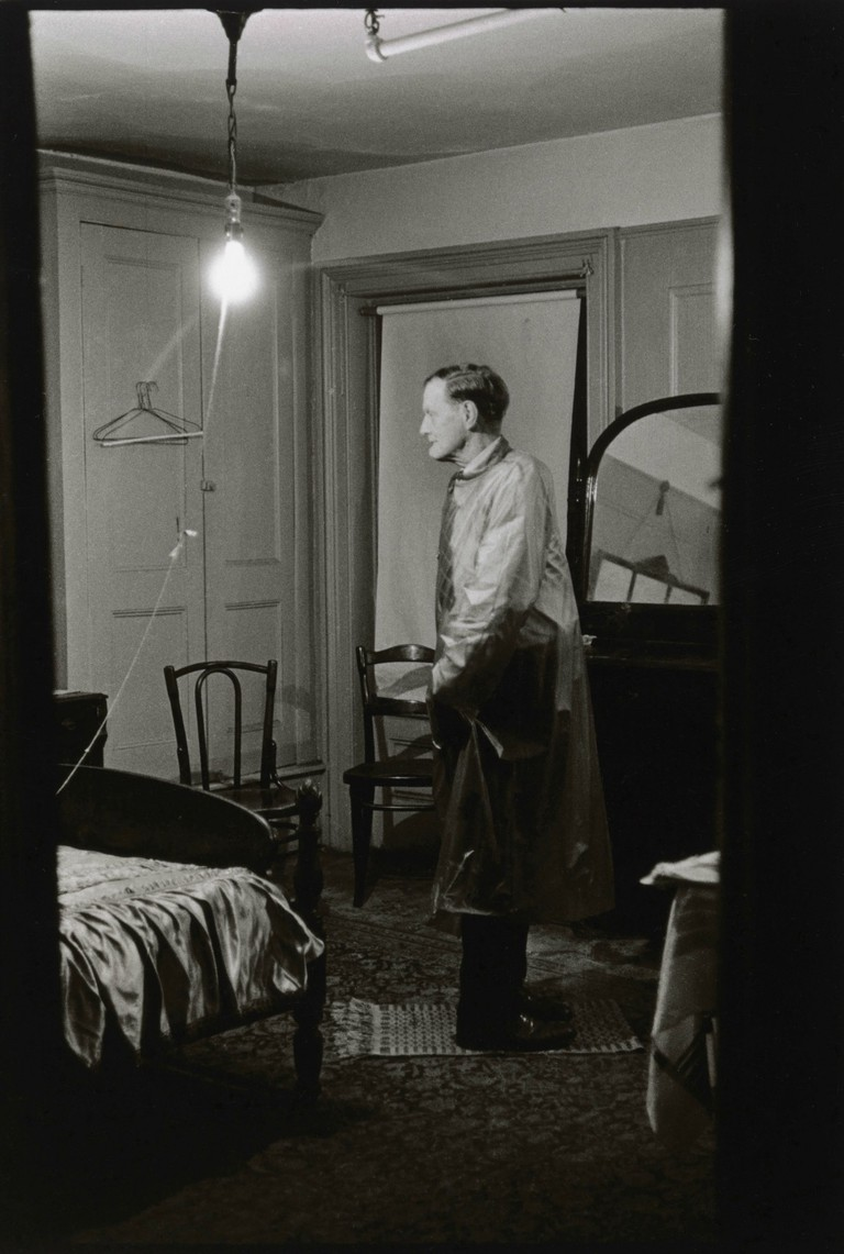 The Backwards Man in his hotel room, N.Y.C. 1961 | © The Estate of Diane Arbus, LLC. All Rights Reserved