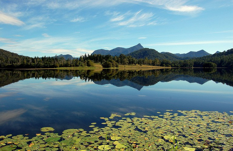 Mount Warning from Clarrie Hall Dam | © Pouts31 / WikiCommons