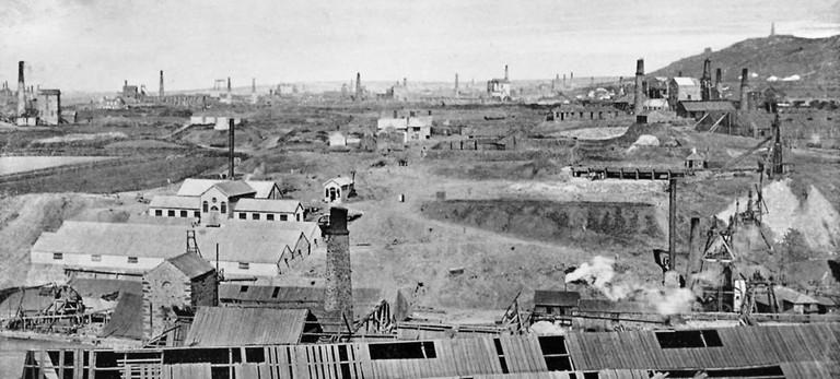 View from Dolcoath Mine towards Redruth,Cornwall, c. 1890 | © J.C. Burrow/Wikicommons