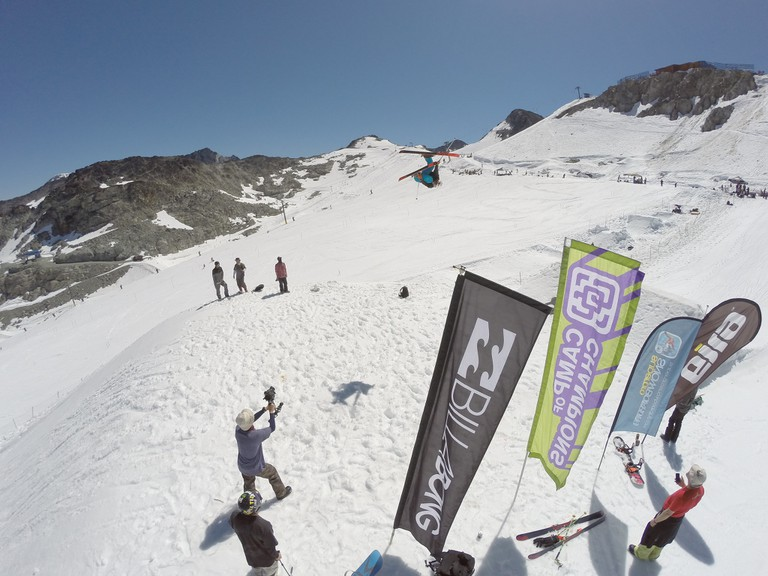 Billabong supports sporting events | © The Camp of Champions Snowboard & Ski Summer Camp / Flickr