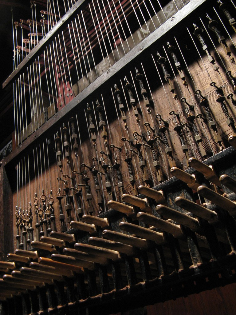 A detail of the Mechelen carillon inside St. Rumbold's Cathedral | © Peter Meuris/Flickr