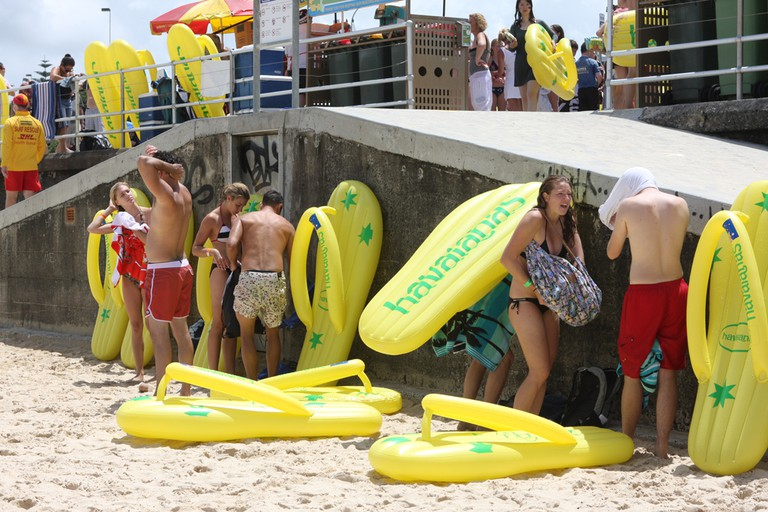 Havaianas Thong Challenge on Australia Day   © Eva Rinaldi / Flickr