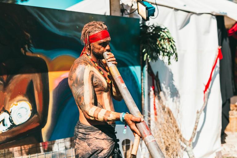 Aboriginal performance   © Claudia Ciapocha