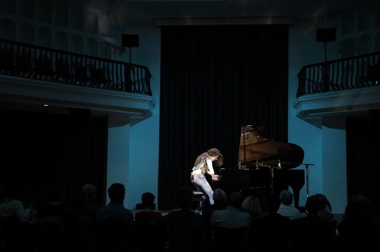 AyseDeniz Gokcin in concert |Courtesy of Erik Odelberg