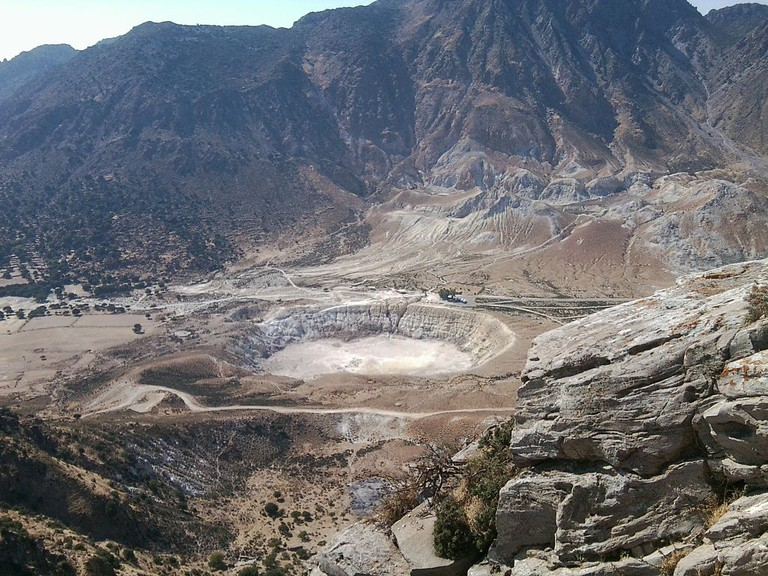 Volcano crater in Nysiros | © Simpsonfreak/WikiCommons
