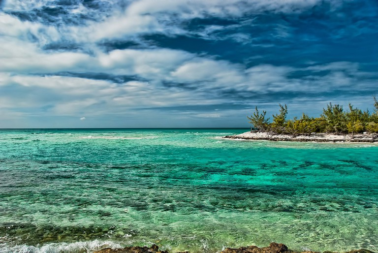 The crystal clear waters of the Bahamas make for an amazing day trip out on the boat