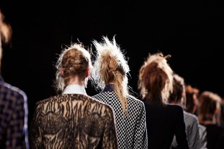 1200px-Haider_Ackermann_backstage_at_the_Paris_Fashion_Week_Fall-Winter_2015_(4)