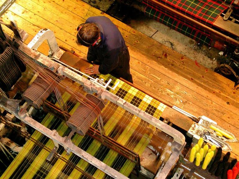 Tartan Textile Making In Edinburgh | © Bair175/WikiCommons