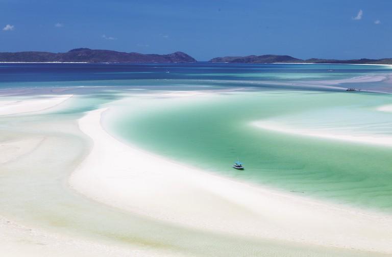 Whitehaven Beach, Whitsundays Islands, QLD | Courtesy of Tourism Australia © Maxime Coquard
