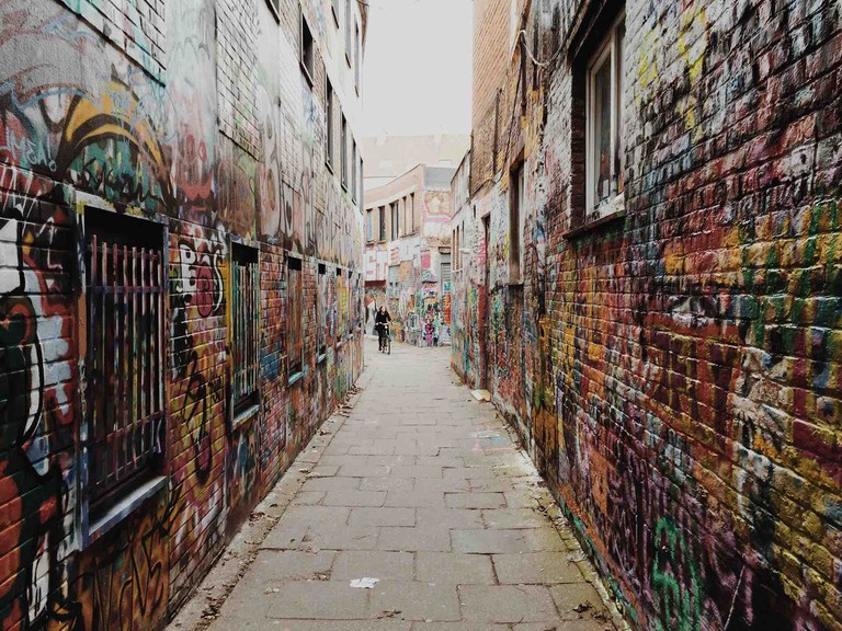 Ghent's Werregarenstraatje is known as 'graffiti alley', an ever-changing canvas for the city's artists | © Eivind Birkedal/Flickr