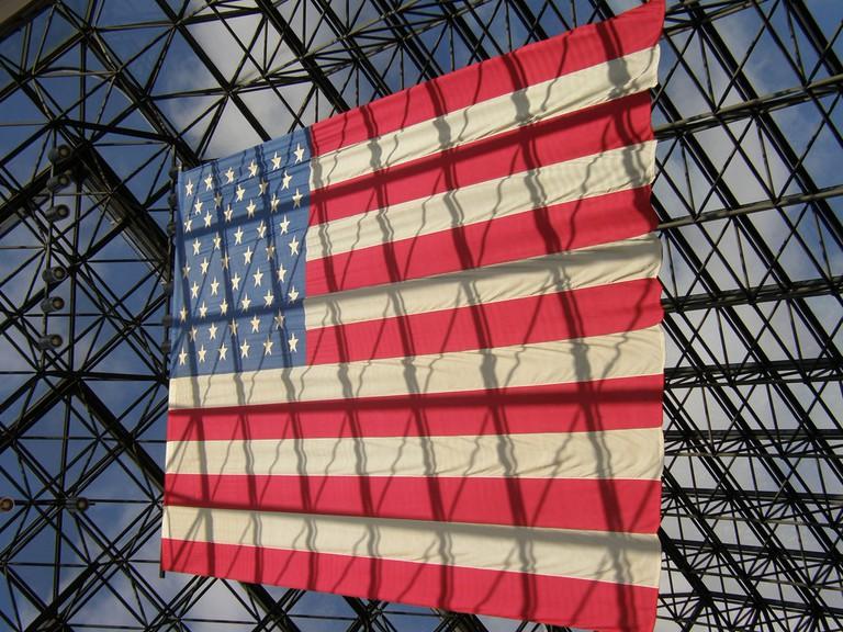 Flag at the JFK Library| ©Jim Bowen/Flickr