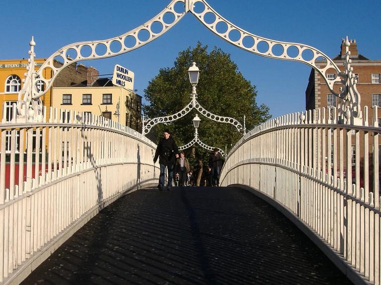 The Ha'penny Bridge, Dublin   © Matt Buck/Flickr
