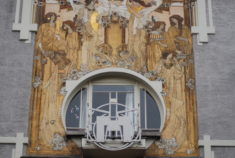 The Art Nouveau sgraffiti on La Maison Cauchie, artist Paul Cauchie's specialty to be found on facades all over Brussels | © Jon Worth/Flickr