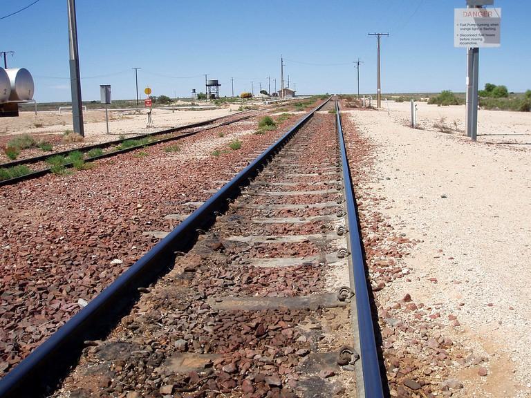 Straight Track. Cook. SA © Amanda Slater/Flickr