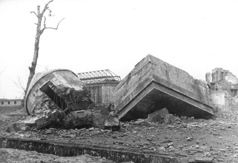 Führerbunker ruins | © Tamba52 (talk | contribs)/WikiCommons