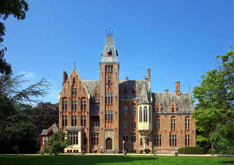 Loppem Castle, former home to royalty   © Velvet/Wikimedia Commons