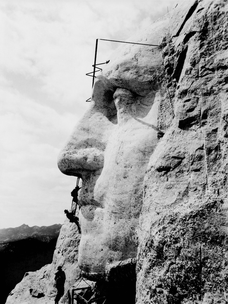 Construction of the Mount Rushmore monument | Public Domain/Wikicommons