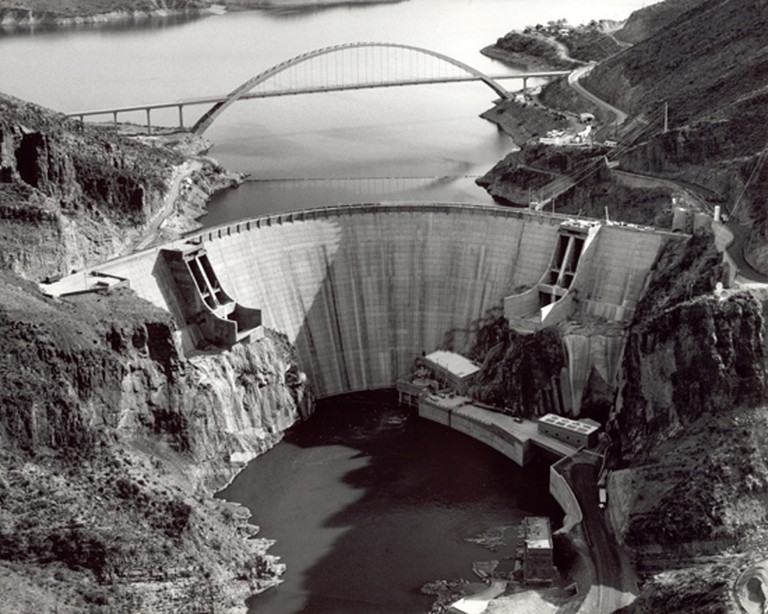 Roosevelt Dam in 1996 after renovations were completed   © Public Domain/Wikicommons