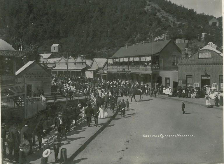 Walhalla 1910 Hospital carnival ©W Lee/WikimediaCommons