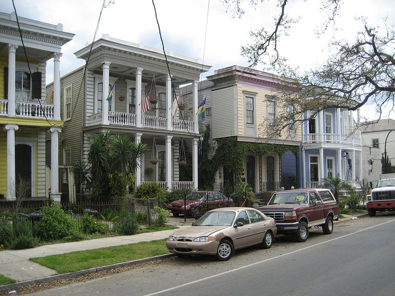 A row of double-gallery houses on Esplanade Avenue, New Orleans   © Infrogmation of New Orleans/WikiCommons