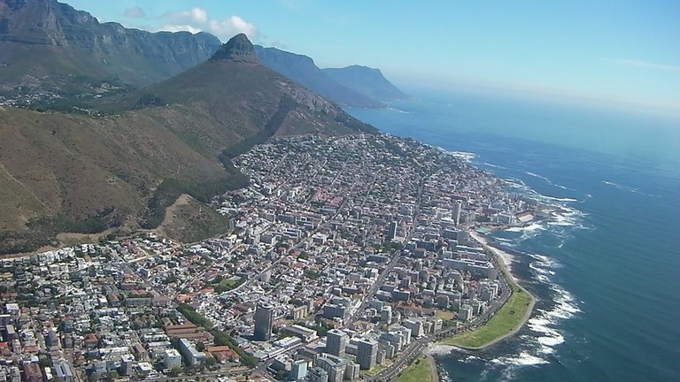 Spectacular view of the Atlantic Seaboard from a helicopter © Werner Bayer/Flickr