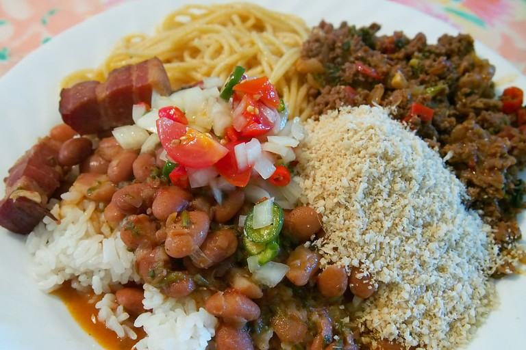 Meat, beans and rice, a typical meal option  © Yutaka Seki/Flickr