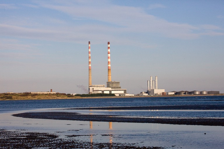 The Pigeon House chimneys at Poolbeg   © William Murphy/ Flickr