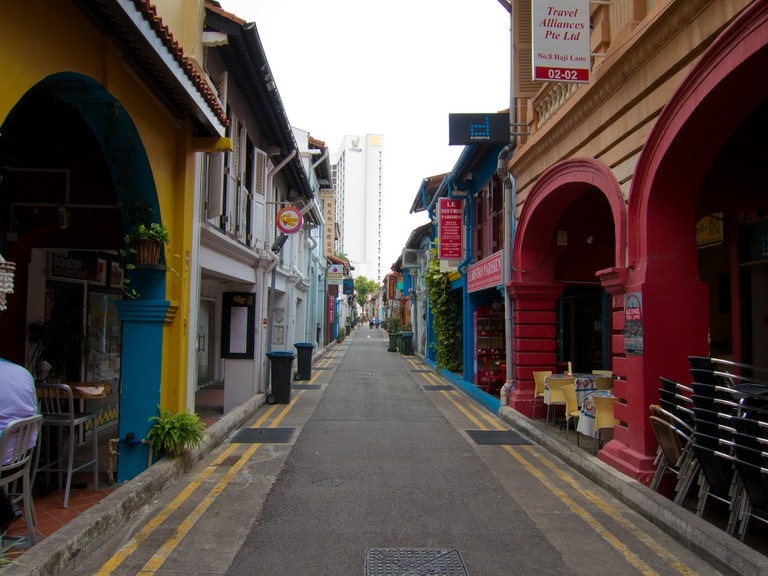 Clean and colourful streets of Singapore | © Stefan Magdalinski