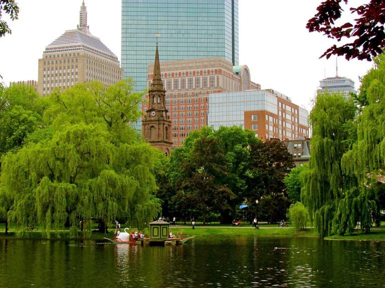 Boston Public Garden | ©Jeff Gunn/Flickr