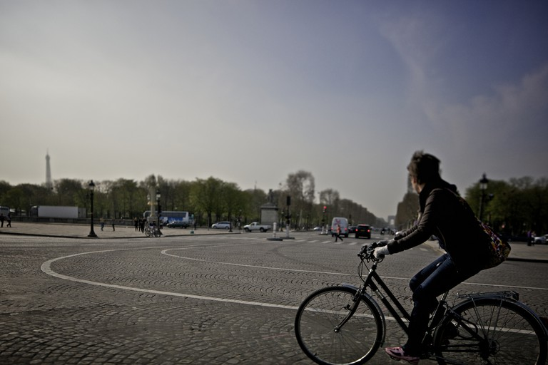 Cycling in the center of Paris │© Aurelien Guichard