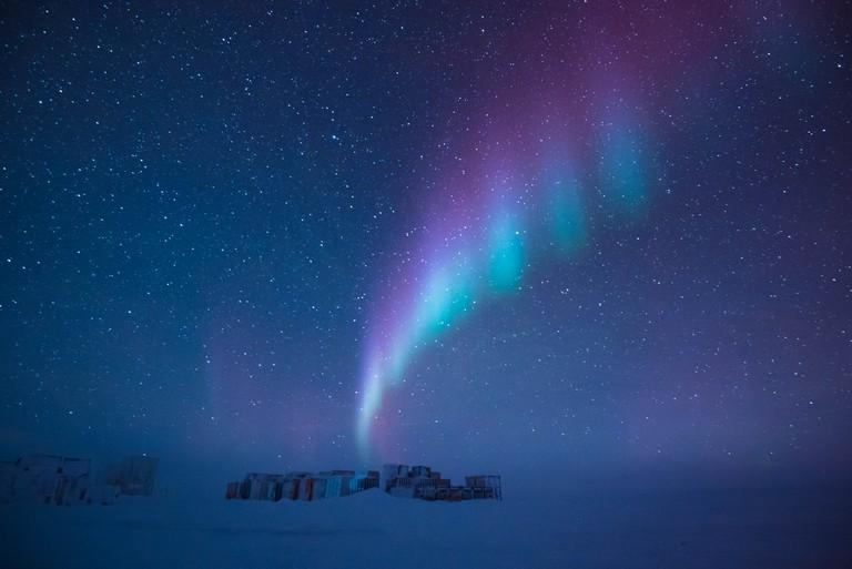 An aurora above Antarctica| ©Beth Healey