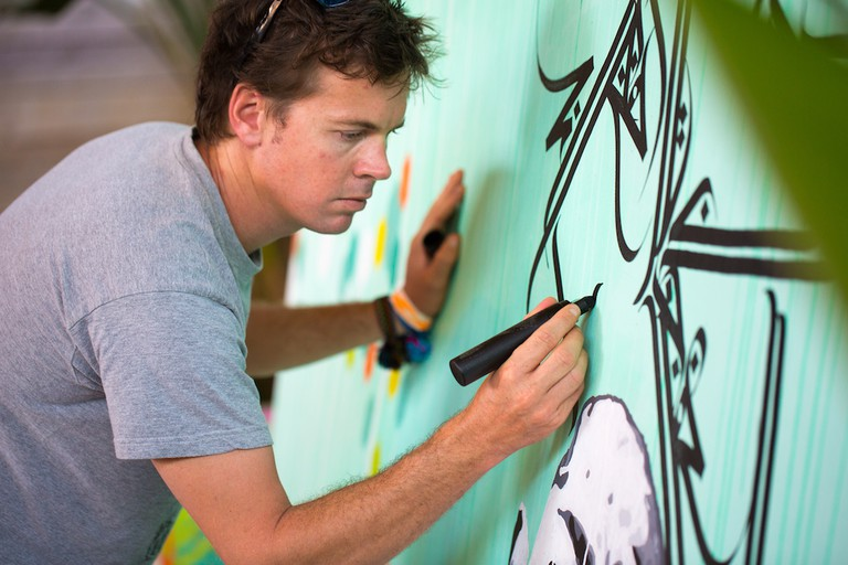 Yann Chatelin live painting © The Oasis Festival