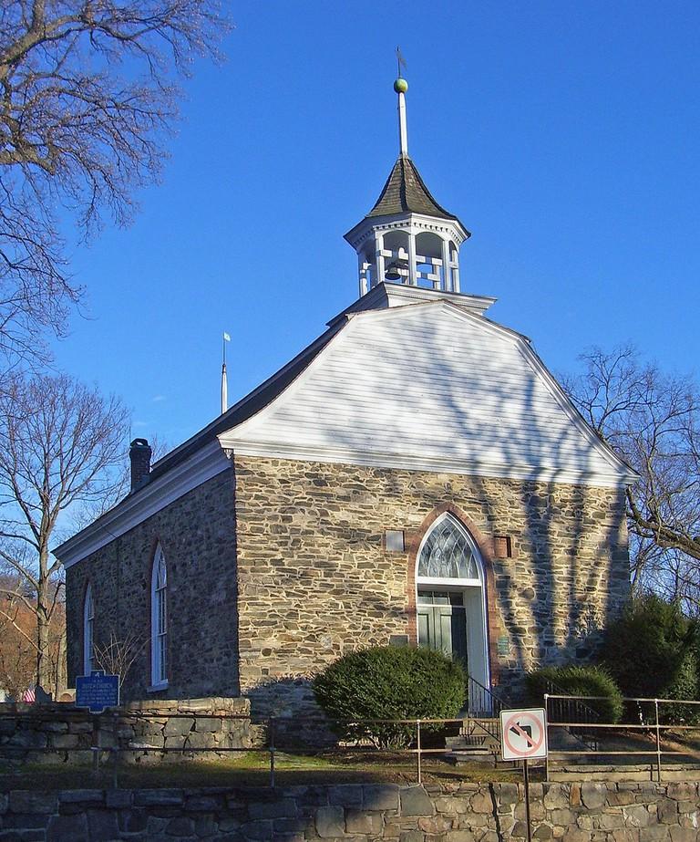 Old Dutch Church at Sleepy Hollow   © Daniel Case, Wikipedia Commons
